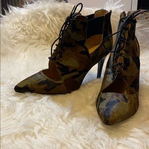 Banana republic camo booties